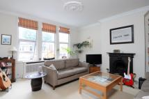 3 bedroom Flat in Cavendish Road, SW12