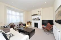 4 bed Terraced property to rent in Bracken Avenue, SW12