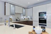 5 bed Terraced home for sale in Warriner Gardens, SW11