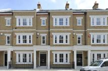 6 bed Terraced house in Warriner Gardens, SW11