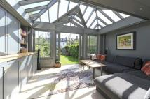 4 bed Terraced house for sale in Eland Road, SW11