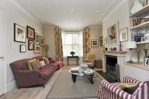 6 bed Terraced house in Parkgate Road, SW11