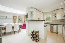 2 bedroom Terraced home in Ursula Street, SW11