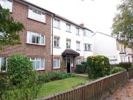 2 bedroom Flat in Grove Court Chestnut...