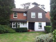 4 bedroom house in Auriol Close...