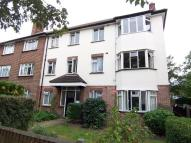 Chestnut Grove Flat to rent