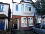 1 bedroom Flat to rent in Coombe Gardens New Malden