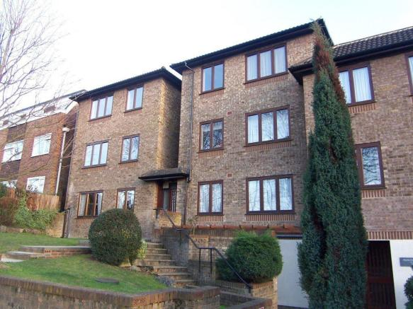2 Bedroom Apartment To Rent In Princes Court Dukes Avenue New Malden Kt3