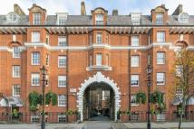 Flat for sale in Gladstone Court...