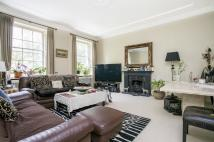 3 bedroom Flat to rent in Warwick Square, SW1V
