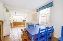 3 bed Terraced house for sale in Salcott Road, SW11