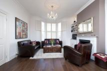 5 bed Terraced house to rent in Mallinson Road, SW11