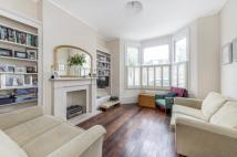 4 bed Terraced property in Marney Road, SW11