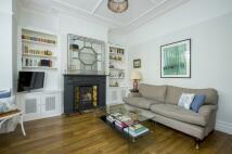 1 bedroom Flat for sale in Broomwood Road, SW11
