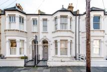 Flat in Marmion Road, SW11