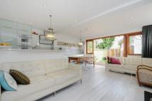4 bed Terraced property in Wix's Lane, SW4