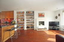 2 bed Flat to rent in Brodrick Road, SW17