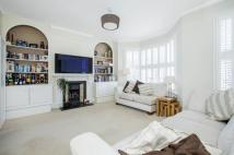 2 bed Flat for sale in Grandison Road, SW11