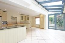 4 bed Terraced property in Mallinson Road, SW11