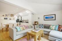 2 bedroom Flat to rent in Grandison Road, SW11