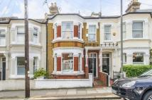 4 bedroom Terraced house to rent in Bramfield Road, SW11