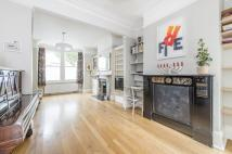 4 bed Terraced home in Taybridge Road, SW11