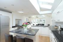 4 bed Terraced property to rent in Stonells Road, SW11