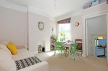 Flat to rent in Comyn Road, SW11