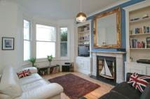 2 bed Flat to rent in Sugden Road, SW11
