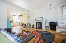 4 bedroom Flat in Clapham Common West Side...