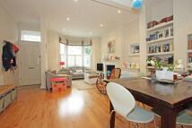 Glendarvon Street semi detached property to rent