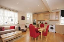 2 bed End of Terrace house to rent in Wadham Road, SW15