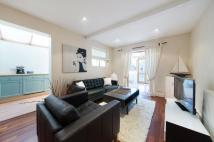 2 bed Flat in Oakhill Road, SW15