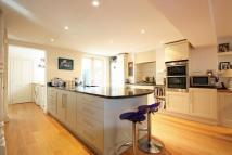 4 bed Terraced home in Haldon Road, SW18