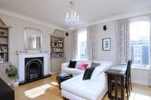 2 bedroom Flat in Disraeli Road, SW15