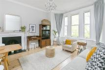Flat for sale in West Hill, SW15