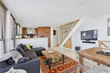 Flat to rent in Bishops Road, SW6