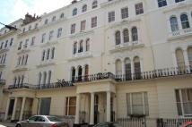 Kensington Gardens Square Flat to rent