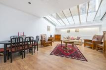 1 bedroom Flat in De Vere Mews, W8