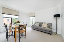 Flat to rent in Bolton Gardens, SW5