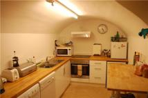 4 bedroom Flat to rent in Richmond Hill Avenue...