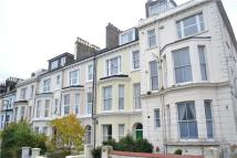 2 bedroom Flat in F  Magdalen Road...