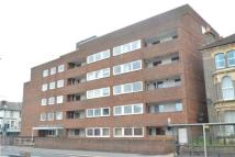 1 bedroom Flat in hughenden court...