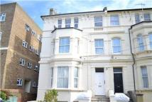 2 bedroom Flat to rent in Holmesdale Gardens...