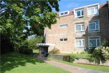 2 bedroom Flat in Flat  The Boltons...