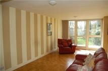 Flat to rent in Slough Lane, Kingsbury...