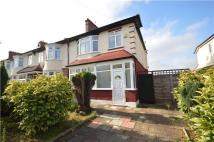 3 bedroom semi detached property to rent in Sandbourne Avenue...