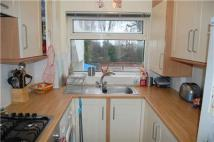 2 bed Flat to rent in Grosslea, MORDEN, Surrey