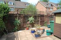 3 bed End of Terrace property in North Street, Redhill...