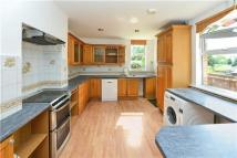 property to rent in Lynwood Road, Redhill, Surrey, RH1